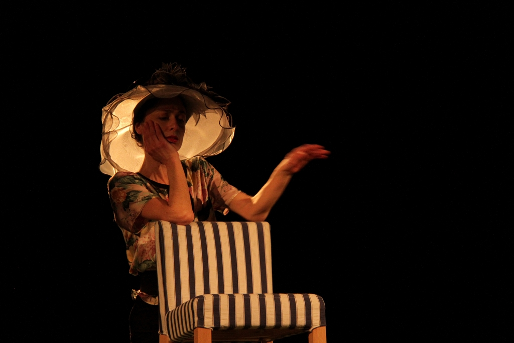 Festival Mimages , Mimages fait son cirque à Saint-Sylvestre, en Ardèche, Sara Martinet
