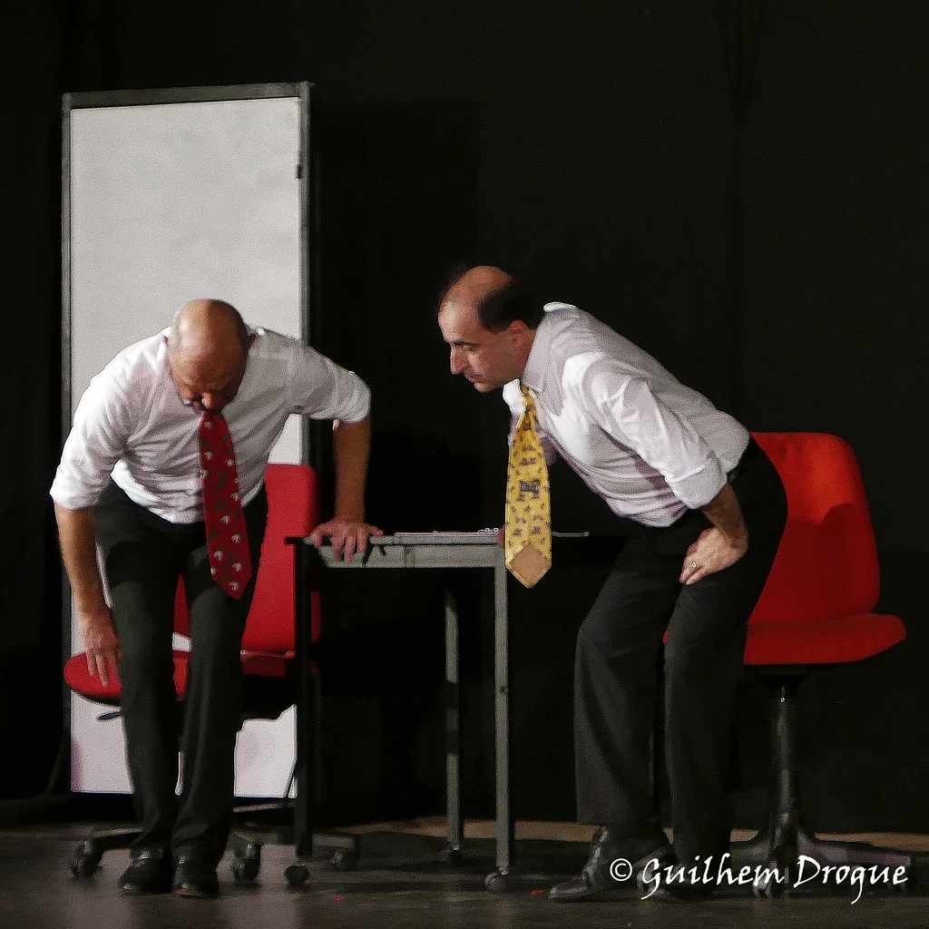 Spectacle Cescorps.com par la compagnie Zinzoline et le Théâtre du Mouvement à Toulaud dans le cadre du festival Mimages