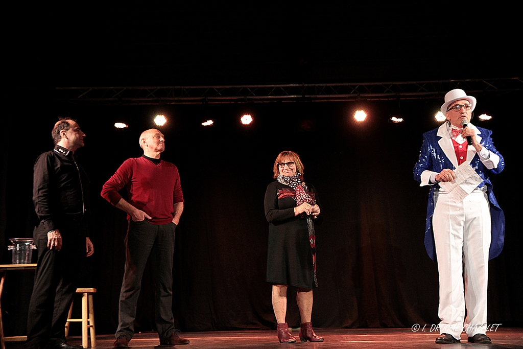 soirée Mimages fait son cirque à Saint-Sylvestre en Ardèche, festival du geste et du Mime, 2018, accueil et animation par Thierry Nadalini